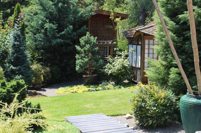 Another view toward the Tea House - this time from the deck.