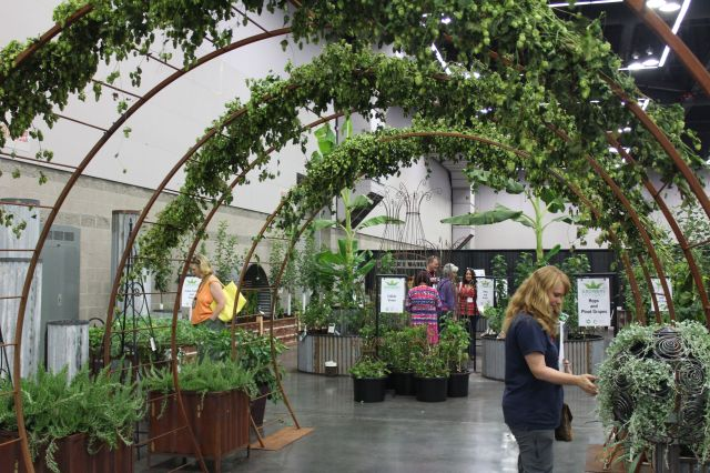 Don Sprague's Garden Gallery offered lots of great. creative ideas.