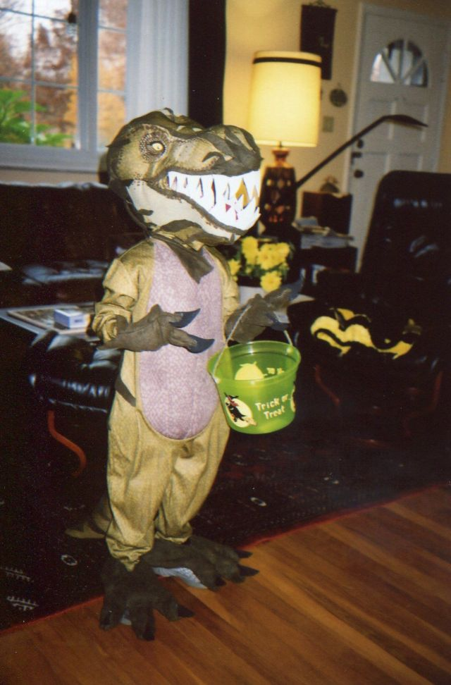 Our first year in the US - and subsequently our first Halloween with kids. What 4-year-old does not like dinosaurs. This was a store-bought T-rex costume which turned out to have the most ridiculous little bonnet. Not scary at all - it needed salvaging. A couple of gallon milk jugs came to the rescue. Did you ever realize how much their shape resembles a T-rex skull? That hard plastic makes for some awesome teeth too.