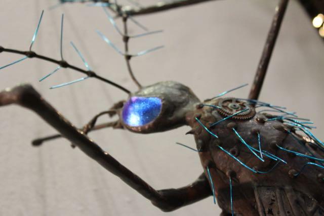 yard-art-fly
